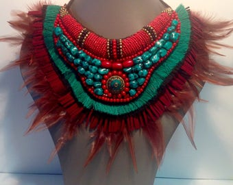 Bib necklace feathers