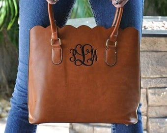 SALE!!! Scalloped Monogrammed Purse -  Greek, Sorority, College, Gifts, Bridesmaids