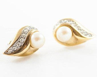 Vintage Gold Tone Rhinestone Pearl Tear Drop Stud Earrings