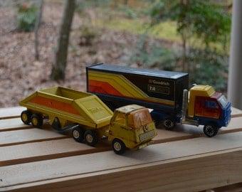 Set of two Tonka trucks