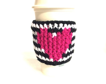 Black white stripe cup cozy, crochet coffee sleeve, eco friendly travel cup, pink heart, latte cup cozy, reusable cozy, cup holder,