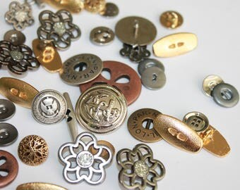 Random Metal buttons, assorted colors shapes and sizes, small medium metal buttons, silver, gold, brass, copper metal buttons, lot of 25