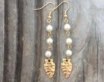 Pearl + Arrowhead Earrings//Gold//Vintage Pearl//Gold Arrowhead//Brass//French Hooks//Long Earrings//Gifts for Her