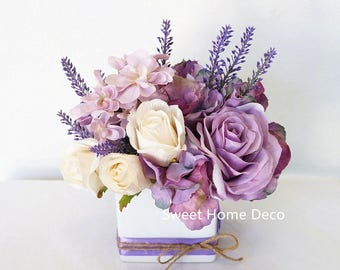 JennysFlowerShop 8''W Silk Floral Arrangement in Purple Lavender Ivory with White Ceramic Cube Vase for Home Wedding Decoration Small