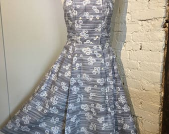 Vintage 1950s-1960s Daisy Print Sun Dress