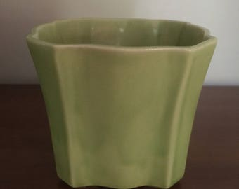 Vintage Spring Green Pottery Planter / Flower Pot Made in USA Numbered J425F M850