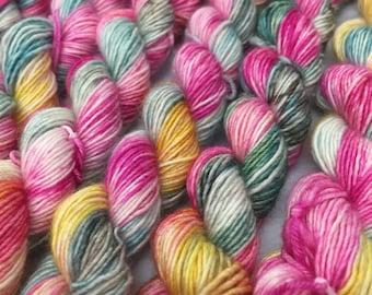 Hand Dyed Superwash Merino Singles Mini Sock Yarn, 20g/0.7oz, 'Living In The Jungle'