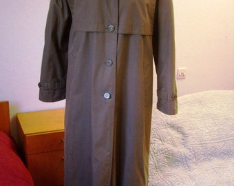 Trench coat, beautiful khaki green raincoat, 1980's, women size 40/42