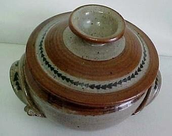 Beautiful Studio Stoneware Donabe Casserole/Lidded Casserole