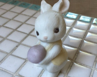 Ceramic Hallmark Bunny 1984 Purple Easter Egg