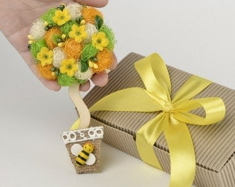 Eco friendly gift, yellow magnet, kitchen refrigerator magnet, yellow kitchen decor, Handmade flower magnet, present for coworker FM07