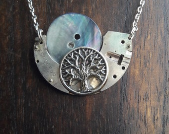 Necklace tree with mother of Pearl Moon