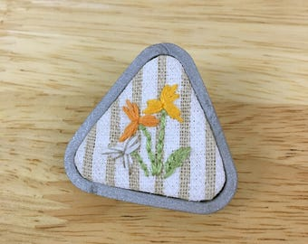 Silver brooch pin with yellow flowers - Hand Emroidery