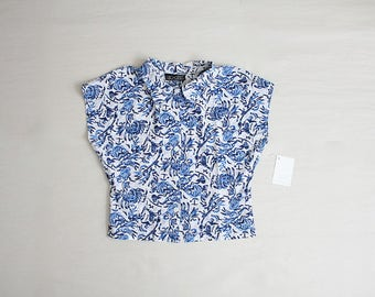blue floral crop top | cropped blouse | collared crop top