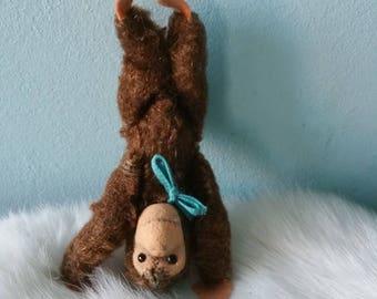 Super cute tiny STEIFF monkey!  Collectible stuffed miniature monkey
