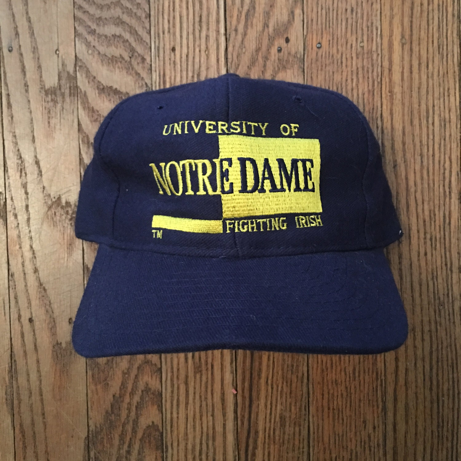 0fdc496d1de15 ... amazon vintage 90s notre dame fighting irish ncaa snapback hat baseball  cap cb139 0d30a