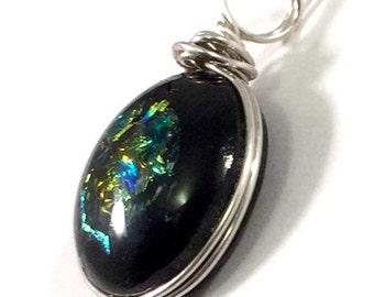 Sparkling - Glass Pendant - Black with Gold-Green decoration - in Silver Wire wrap