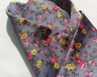 Grey handkerchief with flowers