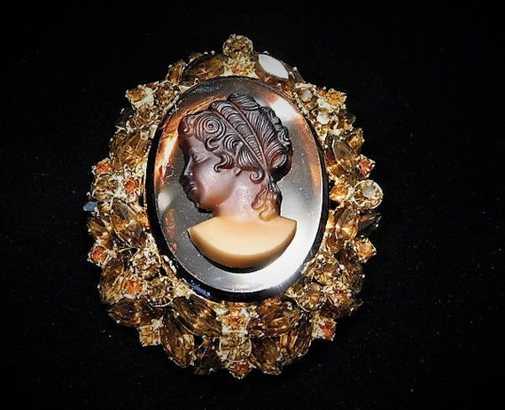 Book Piece Juliana Cameo Brooch DeLizza Elster D & E Rhinestone Brooch Cameo Faux Tortoise Shell Glass Verified D and E 1960s Mid Century