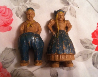 Vintage Dutch Man and Woman Figurines (Free Shipping!)