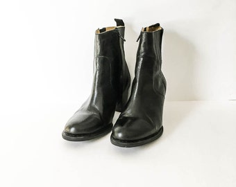 LL Bean Black leather ankle Boots - Black chelsea boots size 7.5W - LL Bean leather booties - Hipster boots - Black Leather ankle boots