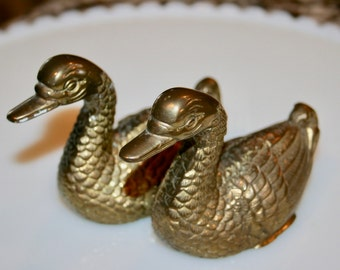 Two Charming Brass Ducks//Textured Brass Ducks//Home Decor Ducks//Vintage Brass Ducks