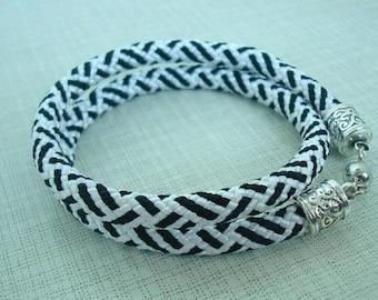 Braided bracelet Bright bracelet Rope bracelet Kumihimo bracelet Boho bracelet Hippie bracelet Gift for her Gift for girl Geometric style