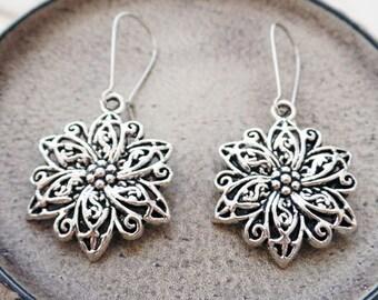 Silver Flower Earrings | Silver Filigree Earrings