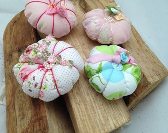 Decorative pin cushion in the romantic look