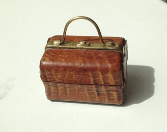 Victorian/Edwardian Gladstone Bag Inkwell