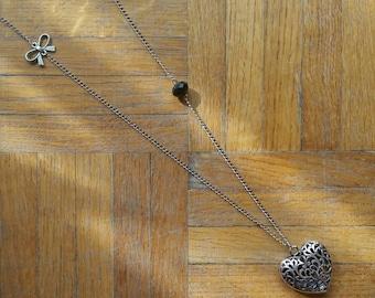 Black heart long necklace