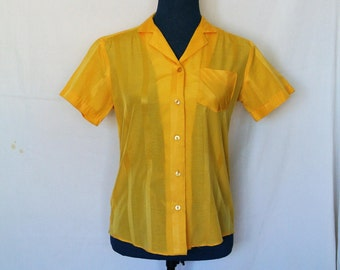 70s Miss Fashionality Short Sleeve Button Up