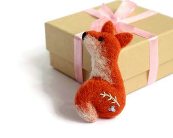 Felt Fox, Fox Brooch, Fox Pin, Needle Felt Animal, Fox Jewellery, Fox Badge, Woodland Fox, Fox Accessory, Fox Gift, Gifts For Fox Lovers