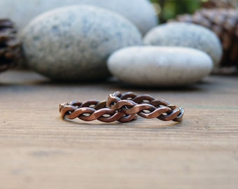 Rings for men couple. His and his. Double braided wire ring in antiqued copper. Adjustable in vintage style.