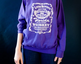 Vintage Rock sweatshirt / Lynyrd Skynyrd 's distillery whiskey / 80s Southern Rock pullover / Florida Whiskey sweatshirt / M