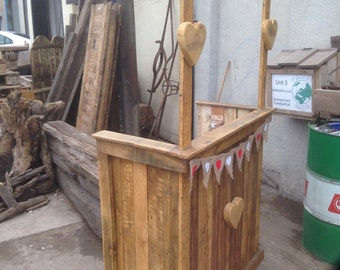 Kissing Booth - ideal for weddings and other occasions