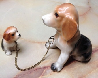 1950's Mother Beagle And Pup Figurine Connected By Chain Beagle Family Japan Vintage Dog Knick Knack  Animal Home Decor