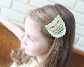 Cat Hair Clip / Kitty Hair Clip / Wool Felt Hair Clip / Cat Barrette / Girl's Felt Barrette /