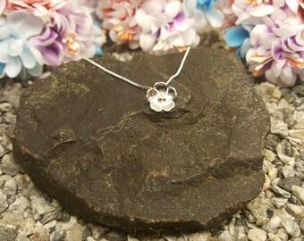 Flower silver necklace, tiny daisy necklace, Tiny flower necklace, blossom necklace, fine silver flower,flowergirl gift,silver daisy pendant