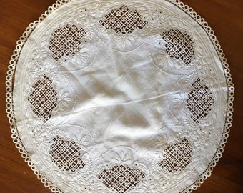 Antique Round Linen Crochet Doily with Raised Embroidery, Vintage Round Off White Crochet, Centerpiece Crochet Doily