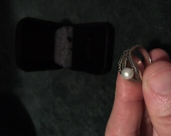Antique silver ring with authentic pearl