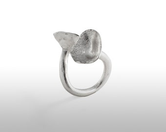 "Ring ""flower"" in silver law"