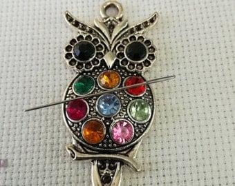 Owl Needleminer / Rhinestone Owl Needleminder / Colourful Owl Needleminder / Rhinestone Needleminder  / Animal Needleminder