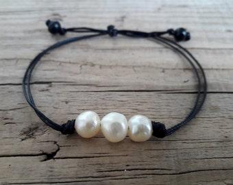 Three pearl bracelet dainty pearl bracelet white stone bracelet freshwater pearl bracelet small pearl bracelet pearl bead bracelet gift idea