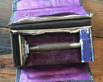 Vintage 1920's Valet Auto Strop Safety Razor/Collector Razor/Men's or Women's Vanity Razor