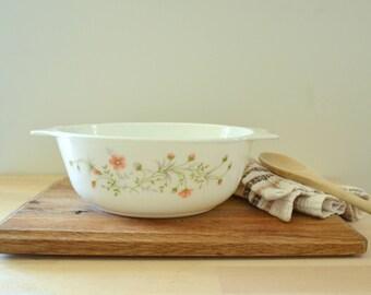 Vintage English Pyrex Emily pattern - Casserole with pink flowers print - Kitchen decor vintage pyrex cocotte casserole Pyrex England
