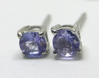 Vintage O.66CTW 4mm Tanzanite Color Changing Purple Sterling Silver Stud Earrings