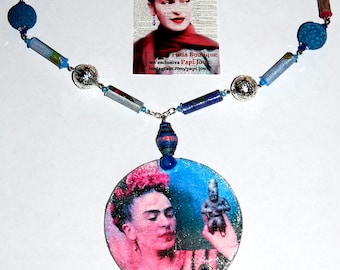 "Capsule collection ""Frida""-blue necklace and pink, profumabile"