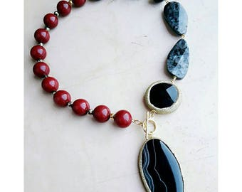 Ruby necklace, lariat necklace red necklace, black gold necklace, beaded necklace, gemstone necklace, gemstone jewelry, statement