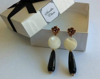 Gold mother of Pearl and agate earrings